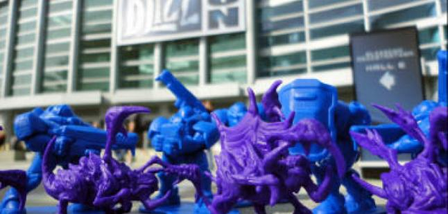 Marines and Zerglings Army Figures at BlizzCon